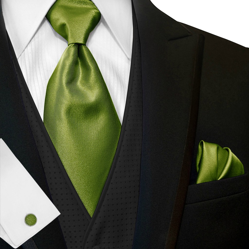 wide_tie_and_hanky_23